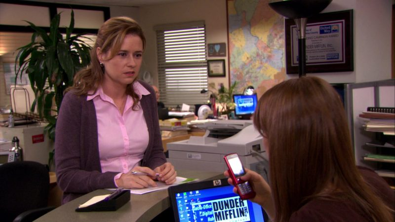 "HP Monitor Used by Ellie Kemper (Erin Hannon) in The Office – Season 7, Episode 14, ""The Seminar"" (2011) - TV Show Product Placement"