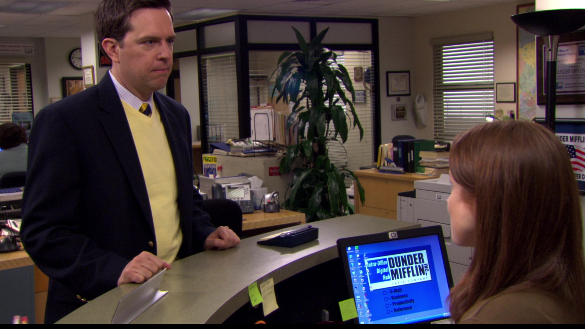 Hp Monitor Used By Ellie Kemper Erin Hannon In The Office