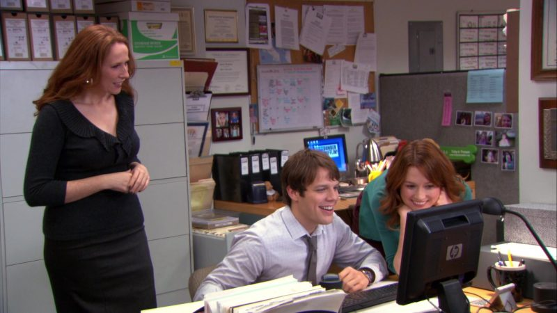 "HP Monitor Used by Jake Lacy (Pete Miller) & Ellie Kemper (Erin Hannon) in The Office – Season 9, Episode 12, ""Customer Loyalty"" (2013) TV Show Product Placement"