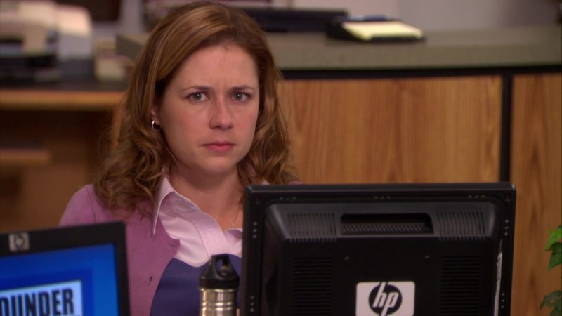 "HP Monitor Used by Jenna Fischer (Pam Beesly) in The Office – Season 6, Episode 16, ""The Manager and the Salesman"" (2010) - TV Show Product Placement"