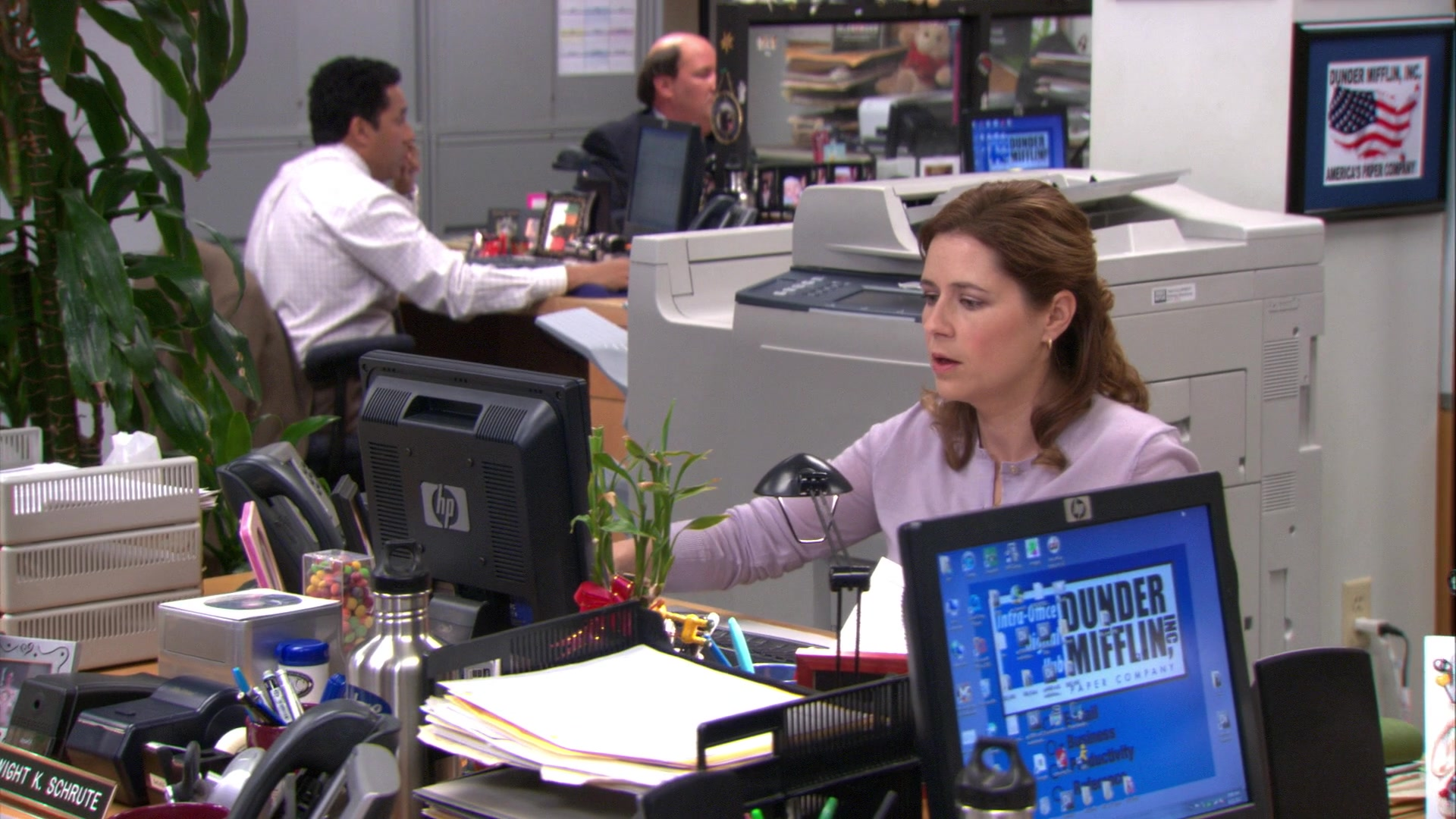 HP Monitor Used by Jenna Fischer (Pam Beesly) in The Office – Season