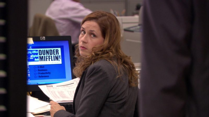 """HP Monitor Used by Jenna Fischer (Pam Beesly) in The Office – Season 6, Episode 7, """"The Lover"""" (2009) - TV Show Product Placement"""