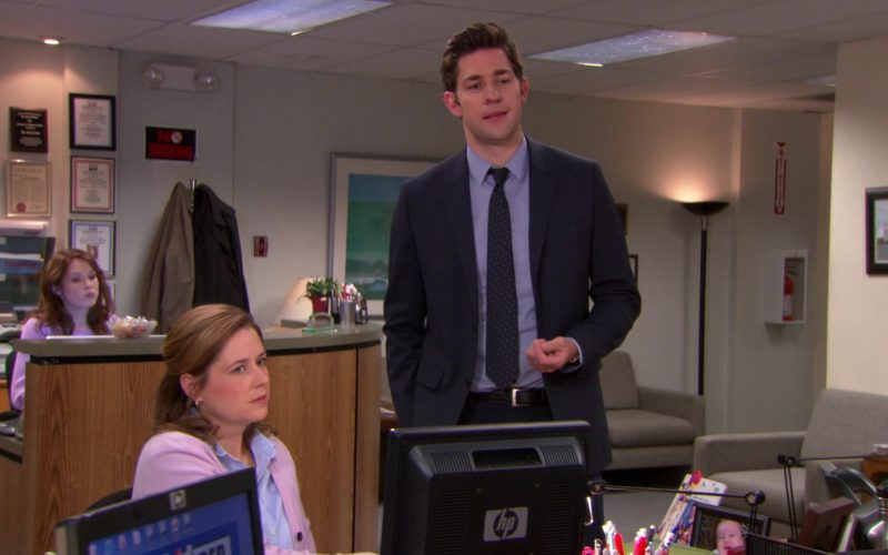 HP Monitor Used by Jenna Fischer (Pam Beesly) in The Office (4)