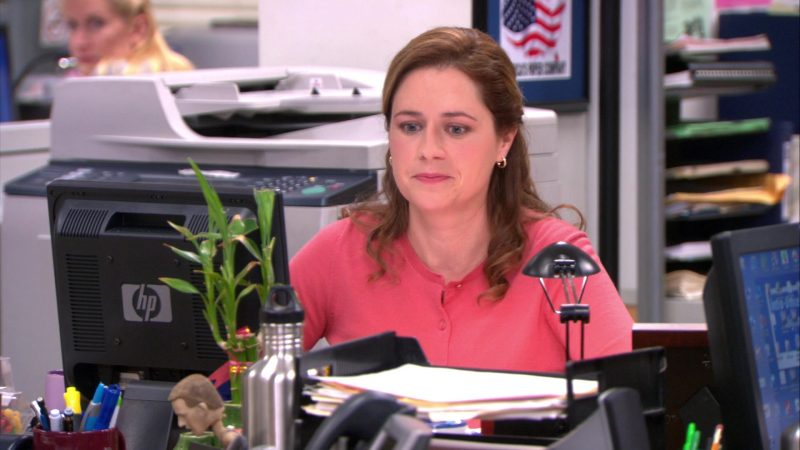 jenna-fischer-as-pam-mother-teaches-daughter-how-to-have-lesbian-sex