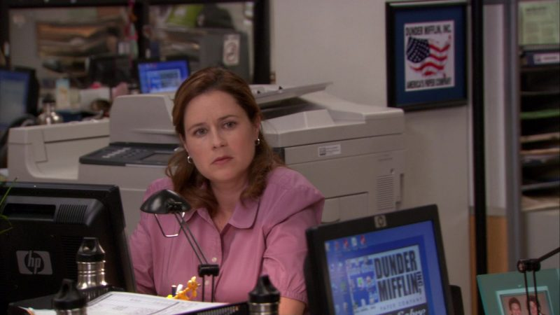 "HP Monitor Used by Jenna Fischer (Pam Beesly) in The Office – Season 8, Episode 1, ""The List"" (2011) - TV Show Product Placement"