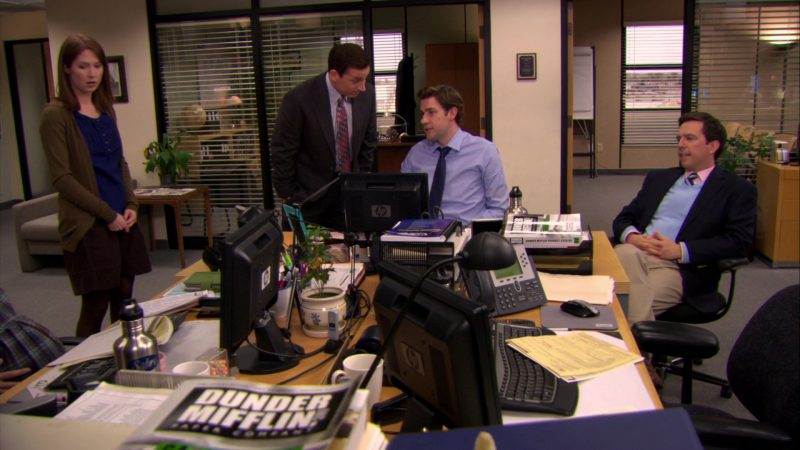 "HP Monitor Used by John Krasinski (Jim Halpert) in The Office – Season 6, Episodes 17-18, ""The Delivery"" (2010) - TV Show Product Placement"