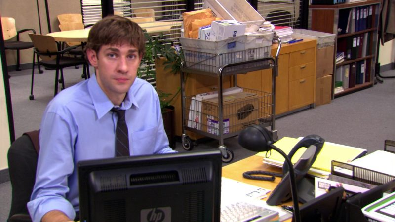 "HP Monitor Used by John Krasinski (Jim Halpert) in The Office – Season 4, Episodes 5-6, ""Launch Party"" (2007) TV Show Product Placement"