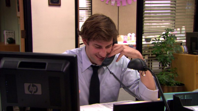 "HP Monitor Used by John Krasinski (Jim Halpert) in The Office – Season 5, Episode 4, ""Baby Shower"" (2008) TV Show Product Placement"