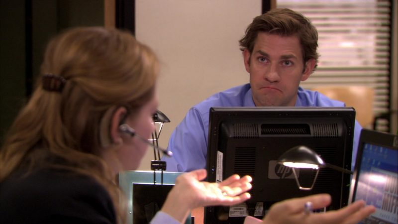 """HP Monitor Used by John Krasinski (Jim Halpert) in The Office – Season 7, Episode 2, """"Counseling"""" (2010) TV Show Product Placement"""