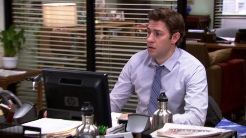 "HP Monitor Used by John Krasinski (Jim Halpert) in The Office – Season 8, Episode 24, ""Free Family Portrait Studio"" (2012) - TV Show Product Placement"