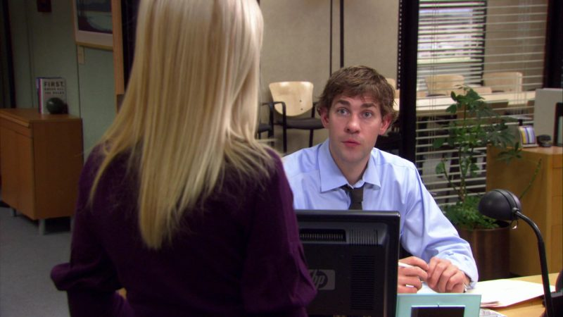 "HP Monitor Used by John Krasinski (Jim Halpert) in The Office – Season 4, Episode 11, ""Survivor Man"" (2007) - TV Show Product Placement"