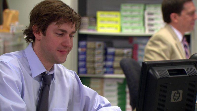 "HP Monitor Used by John Krasinski (Jim Halpert) in The Office – Season 4, Episode 16, ""Did I Stutter?"" (2008) - TV Show Product Placement"