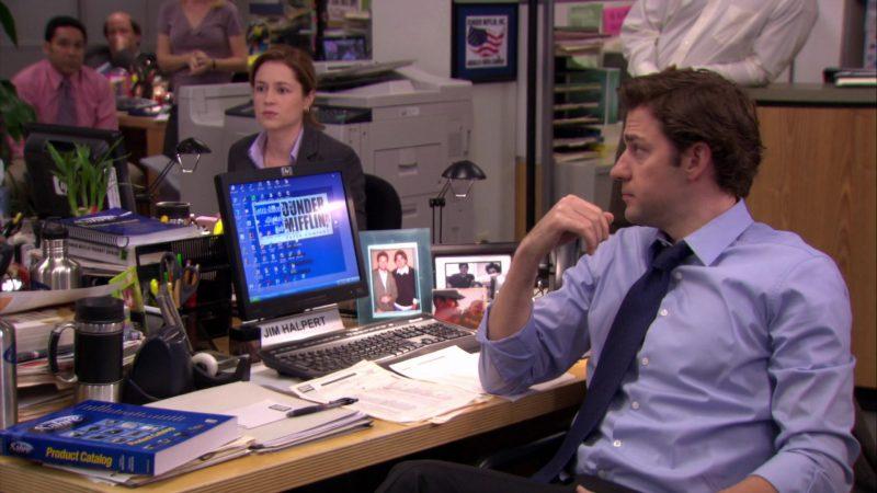 "HP Monitor Used by John Krasinski (Jim Halpert) in The Office – Season 6, Episode 26, ""Whistleblower"" (2010) - TV Show Product Placement"