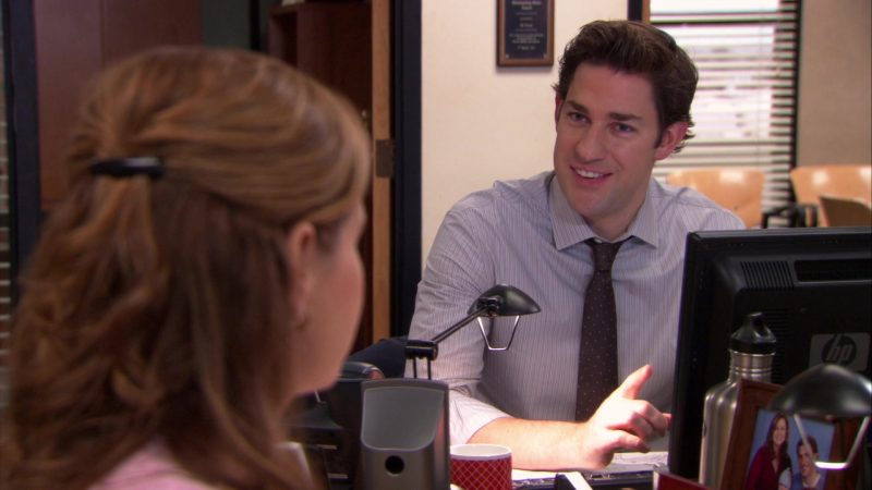 "HP Monitor Used by John Krasinski (Jim Halpert) in The Office – Season 9, Episode 15, ""Couples Discount"" (2013) - TV Show Product Placement"
