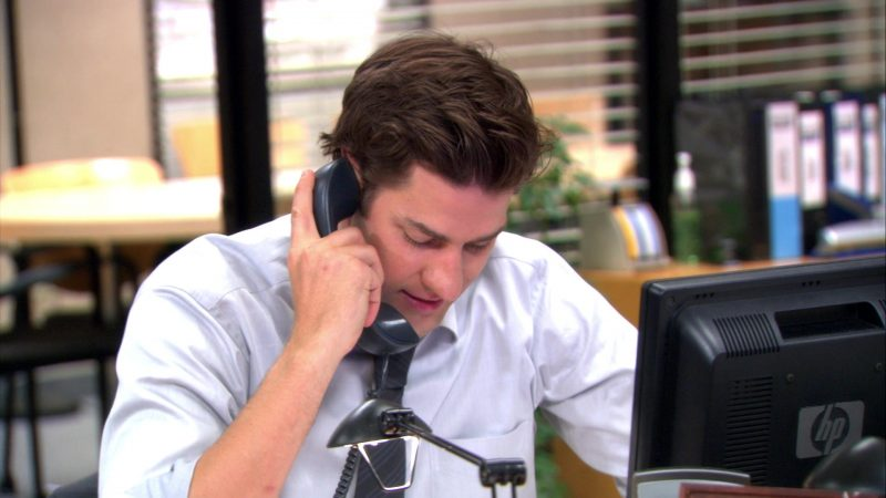 "HP Monitor Used by John Krasinski (Jim Halpert) in The Office – Season 9, Episode 7, ""The Whale"" (2012) - TV Show Product Placement"