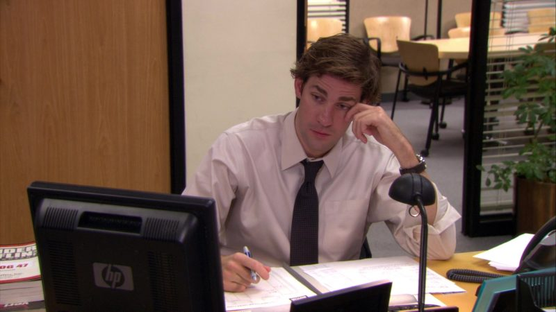 "HP Monitor Used by John Krasinski (Jim Halpert) in The Office – Season 5, Episode 8, ""Business Trip"" (2008) TV Show Product Placement"