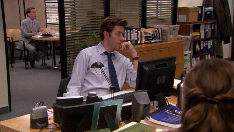 "HP Monitor Used by John Krasinski (Jim Halpert) in The Office – Season 8, Episode 1, ""The List"" (2011) - TV Show Product Placement"
