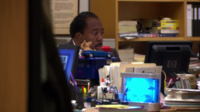 "HP Monitor Used by Leslie David Baker (Stanley Hudson) in The Office – Season 4, Episode 16, ""Did I Stutter?"" (2008) - TV Show Product Placement"