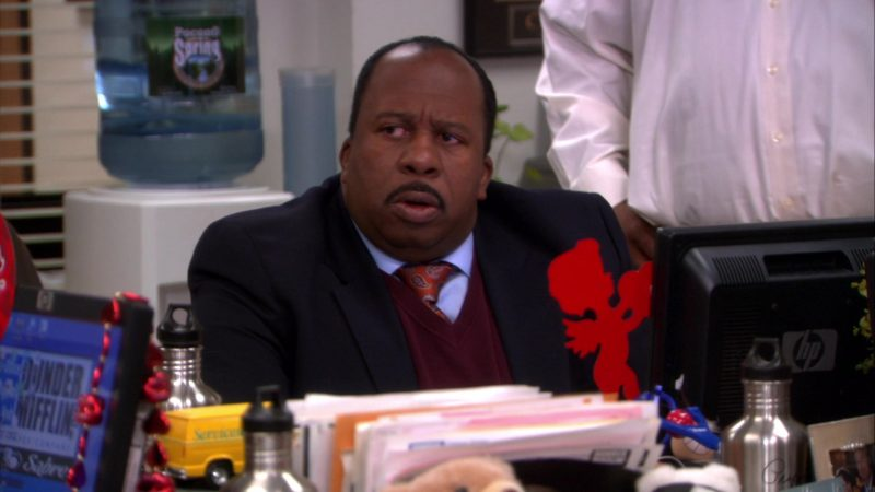 """HP Monitor Used by Leslie David Baker (Stanley Hudson) in The Office – Season 8, Episode 14, """"Special Project"""" (2012) - TV Show Product Placement"""
