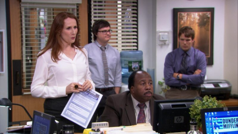 """HP Monitor Used by Leslie David Baker (Stanley Hudson) in The Office – Season 9, Episode 2, """"Roy's Wedding"""" (2012) - TV Show Product Placement"""