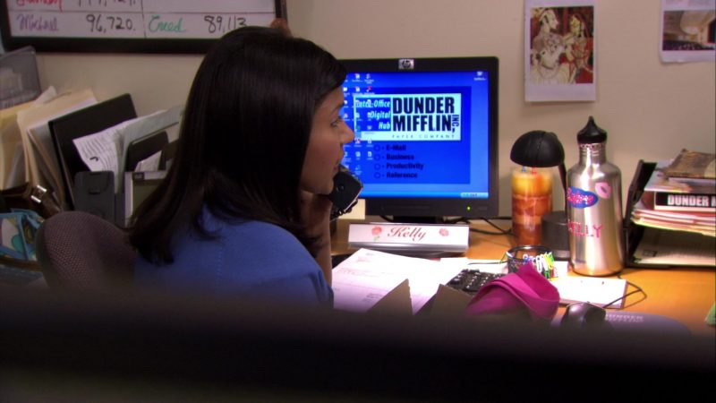 "HP Monitor Used by Mindy Kaling (Kelly Kapoor) in The Office – Season 6, Episode 23, ""Body Language"" (2010) - TV Show Product Placement"