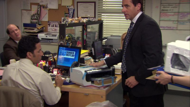 "HP Monitor Used by Oscar Nunez (Oscar Martinez) in The Office – Season 6, Episode 15, ""Sabre"" (2010) - TV Show Product Placement"