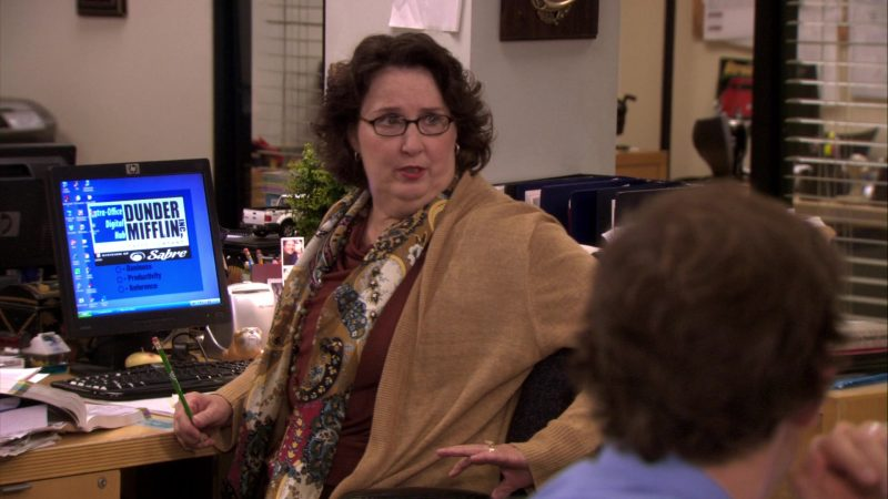 "HP Monitor Used by Phyllis Smith (Phyllis Vance) in The Office – Season 7, Episode 2, ""Counseling"" (2010) - TV Show Product Placement"