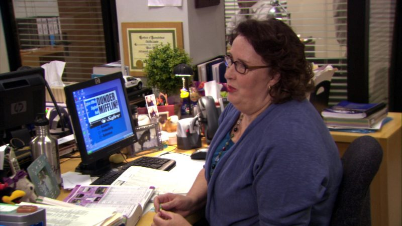 "HP Monitor Used by Phyllis Smith (Phyllis Vance) in The Office – Season 7, Episode 4, ""Sex Ed"" (2010) - TV Show Product Placement"