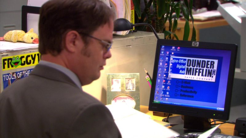 "HP Monitor Used by Rainn Wilson (Dwight Schrute) in The Office – Season 5, Episode 5, ""Crime Aid"" (2008) TV Show Product Placement"
