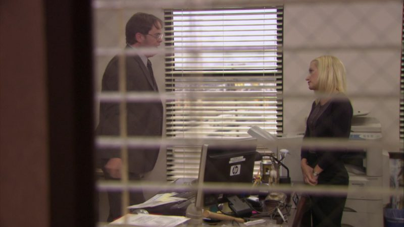 """HP Monitor Used by Rainn Wilson (Dwight Schrute) in The Office – Season 7, Episode 3, """"Andy's Play"""" (2010) TV Show Product Placement"""