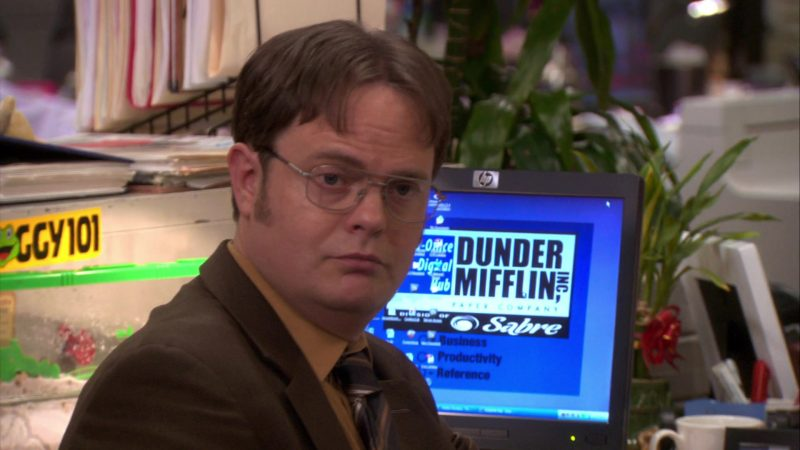 "HP Monitor Used by Rainn Wilson (Dwight Schrute) in The Office – Season 7, Episode 22, ""Goodbye, Michael"" (2011) - TV Show Product Placement"