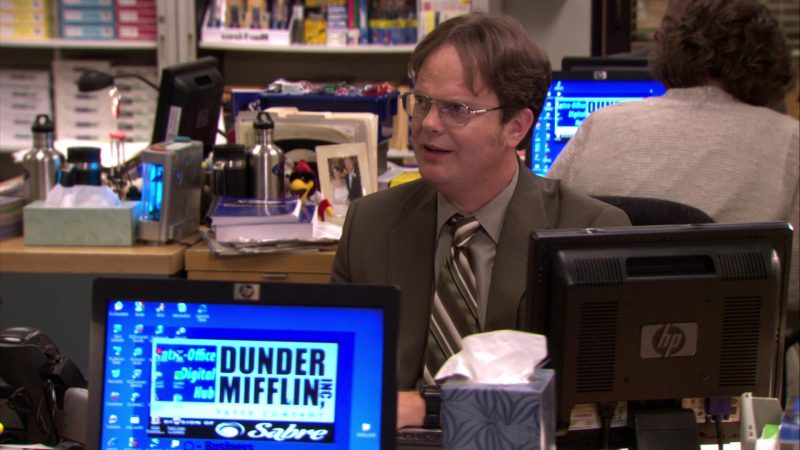 "HP Monitor Used by Rainn Wilson (Dwight Schrute) in The Office – Season 7, Episode 2, ""Counseling"" (2010) - TV Show Product Placement"
