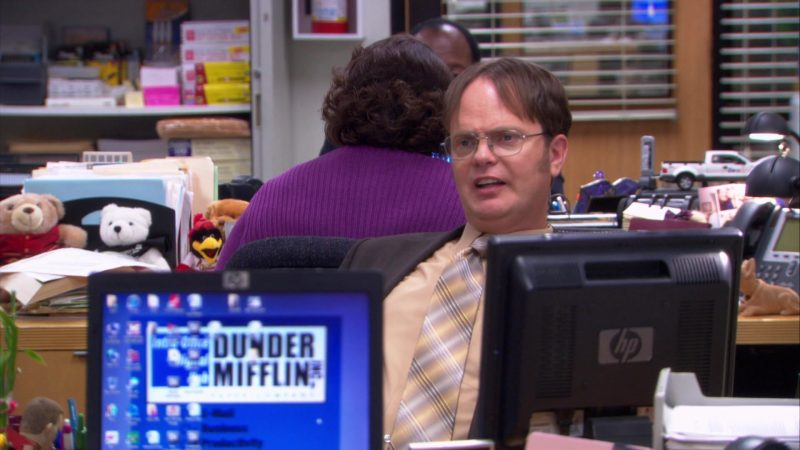 "HP Monitor Used by Rainn Wilson (Dwight Schrute) in The Office – Season 9, Episode 3, ""Andy's Ancestry"" (2012) TV Show Product Placement"