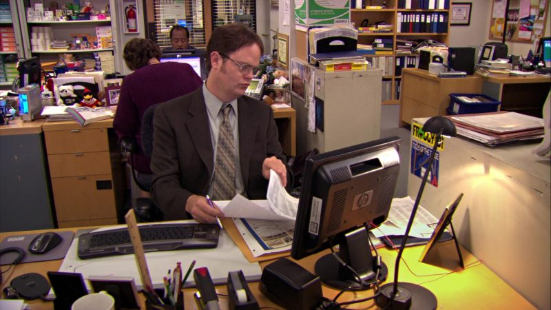 "HP Monitor Used by Rainn Wilson (Dwight Schrute) in The Office – Season 5, Episode 13, ""Prince Family Paper"" (2009) TV Show"