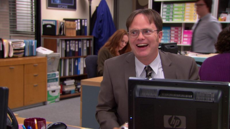 "HP Monitor Used by Rainn Wilson (Dwight Schrute) in The Office – Season 9, Episode 13, ""Junior Salesman"" (2013) TV Show Product Placement"