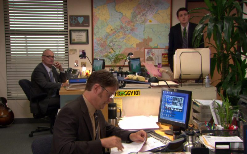 HP Monitor Used by Rainn Wilson (Dwight Schrute) in The Office