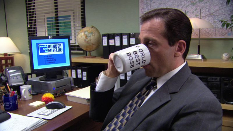 """HP Monitor Used by Steve Carell (Michael Scott) in The Office – Season 3, Episode 5, """"Initiation"""" (2006) TV Show Product Placement"""