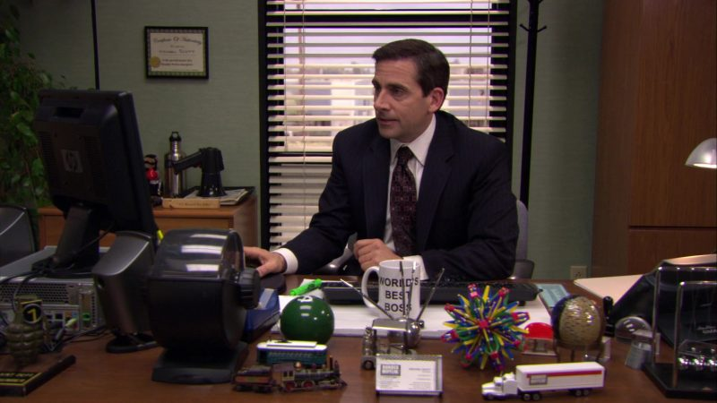 """HP Monitor Used by Steve Carell (Michael Scott) in The Office – Season 6, Episode 26, """"Whistleblower"""" (2010) - TV Show Product Placement"""