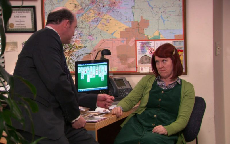 HP Monitor and Cisco IP Phone Used by Kate Flannery (Meredith Palmer) in The Office – Season 9
