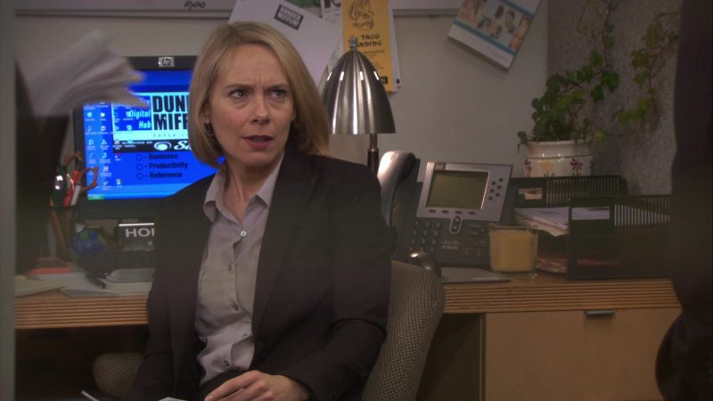 """HP Monitor and Cisco Phone Used by Amy Ryan (Holly Flax) in The Office – Season 7, Episode 17, """"Threat Level Midnight"""" (2011) - TV Show Product Placement"""