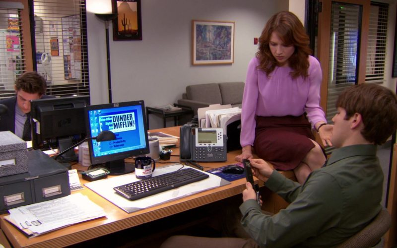 HP Monitor and Cisco Phone Used by Jake Lacy (Pete Miller) in The Office (2)
