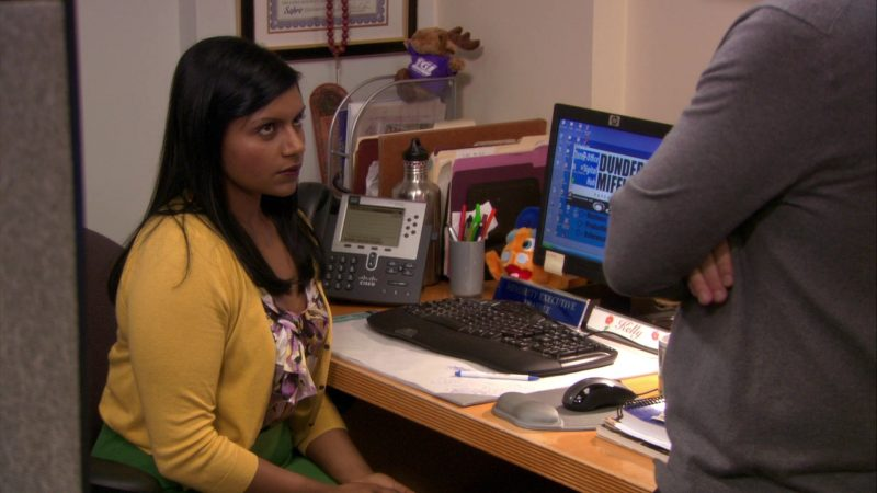 "HP Monitor and Cisco Phone Used by Mindy Kaling (Kelly Kapoor) in The Office – Season 7, Episode 23, ""The Inner Circle"" (2011) - TV Show Product Placement"
