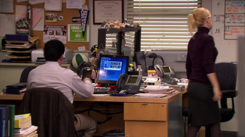 """HP Monitor and Cisco Phone Used by Oscar Nunez (Oscar Martinez) in The Office – Season 6, Episode 21, """"Happy Hour"""" (2010) TV Show Product Placement"""