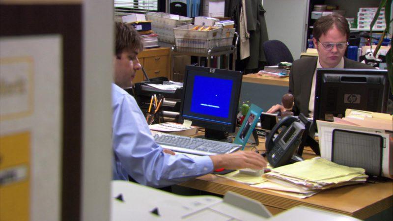 "HP Monitors Used by John Krasinski (Jim Halpert) & Rainn Wilson (Dwight Schrute) in The Office – Season 3, Episode 16, ""Phyllis' Wedding"" (2007) - TV Show Product Placement"