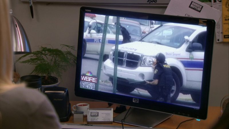 """HP Pavilion 2509m Monitor & WBRE-TV Online Television Channel in The Office – Season 7, Episode 8, """"Viewing Party"""" (2010) - TV Show Product Placement"""