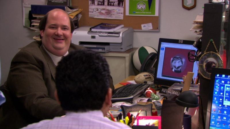 "HP Printer and Monitor Used by Brian Baumgartner (Kevin Malone) in The Office – Season 6, Episode 22, ""Secretary's Day"" (2010) - TV Show Product Placement"
