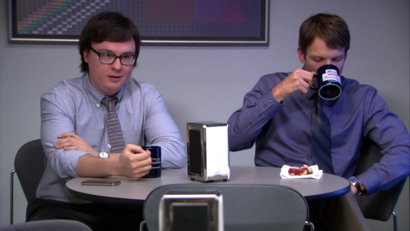 """Herr's Potato Chips Mug Used by Jake Lacy (Pete Miller) in The Office – Season 9, Episode 2, """"Roy's Wedding"""" (2012) - TV Show Product Placement"""