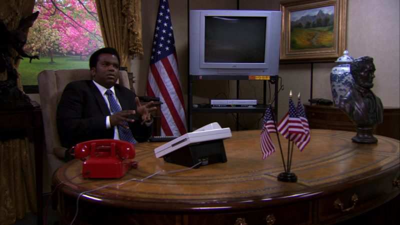 "JVC TV in The Office – Season 7, Episode 17, ""Threat Level Midnight"" (2011) - TV Show Product Placement"