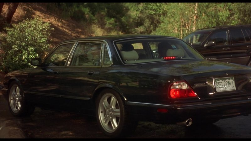 Jaguar XJR [X308] Car Used by Matt McCoy in Beethoven's 4th (2001) - Movie Product Placement