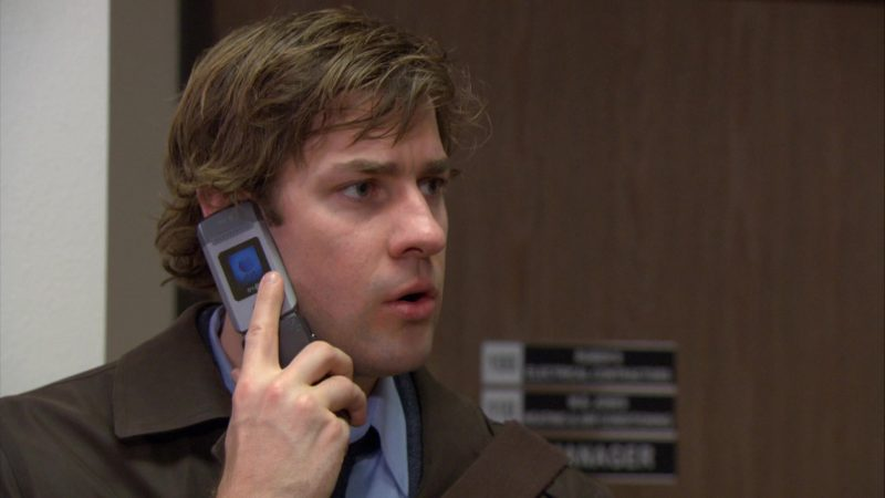 """LG Cell Phone Used by John Krasinski (Jim Halpert) in The Office – Season 4, Episode 15, """"Night Out"""" (2008) - TV Show Product Placement"""